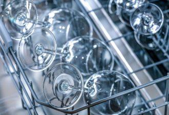 Miele Geschirrspüler Reset: Tastenkombination mit Gläsern sauber