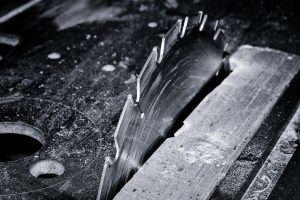 Sägeblatt schwarz-weiß