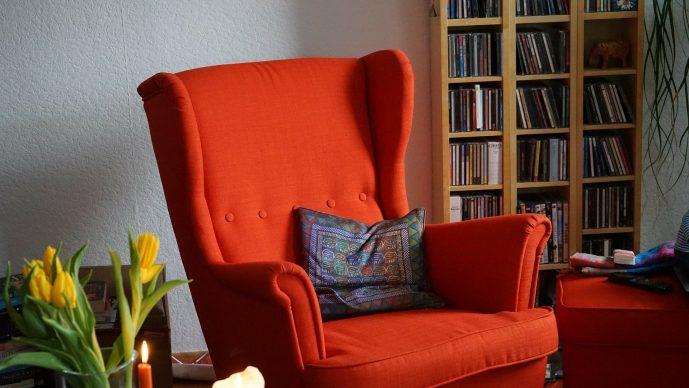 Sessel neu beziehen lassen – Kosten und Preise