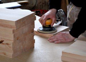Holz schleifen mit Schleifblatt für Hartmetalle