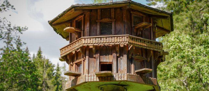 Schülpschalung auf einem Baumhaus