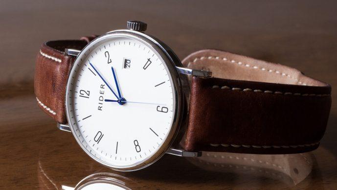 Uhrenglas polieren – Kratzer einfach entfernen