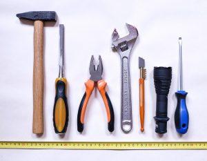 Werkzeuge in einer Reihe